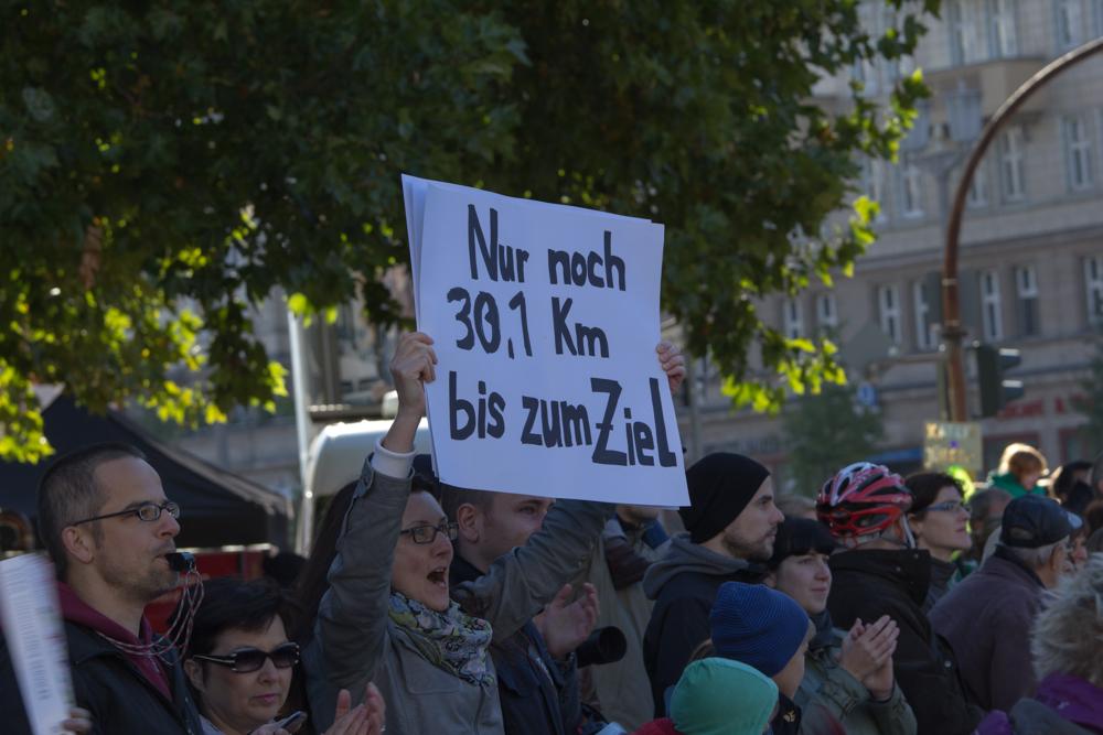 Nur noch 30,1 Km bis zum Ziel (Anfeuern beim 40. Berlin Marathon)