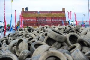 extrem-hindernislauf-strongman-run-2014-reifen