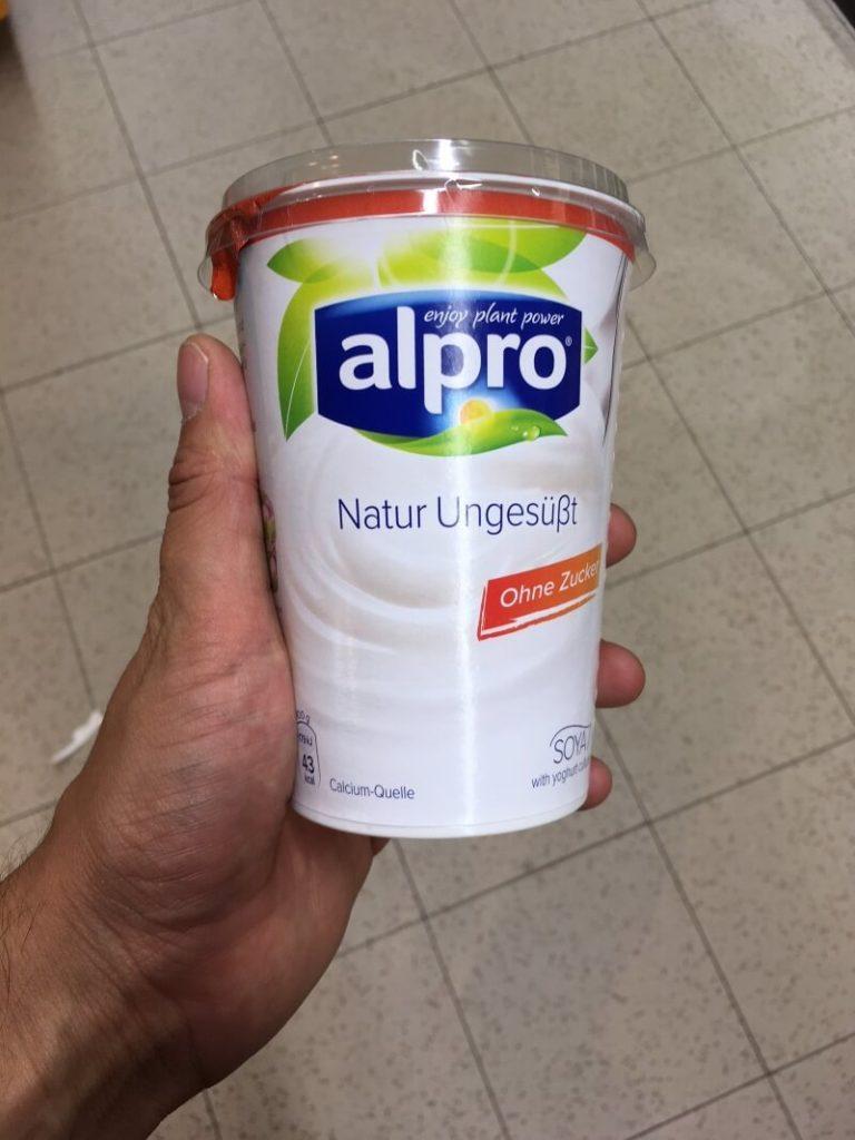 Alpro Soja Joghurtalternative Natur ungesüßt.